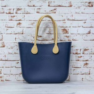 O Bag navy + asas largas de eco piel martillada natural